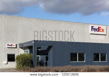 FedEx logistic center