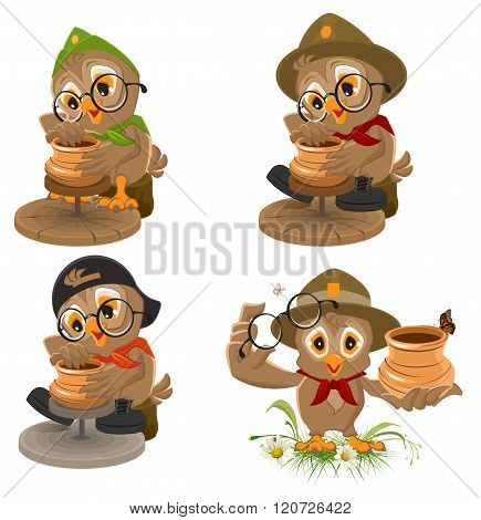 Set Owl Scout manufactures ceramic pot. Potter makes earthen pot
