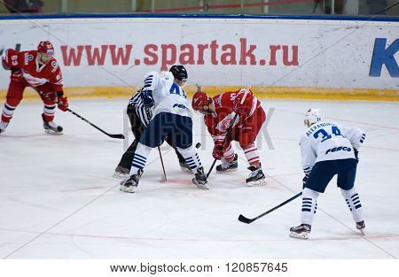 K. Glazachev (47) And E. Dugin (40) On Faceoff