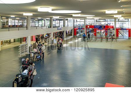 Glacier Express terminal Tasch