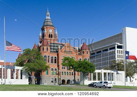 Old Red Museum, Formerly Dallas County Courthouse At Dealey Plaza, In Dallas,  Texas
