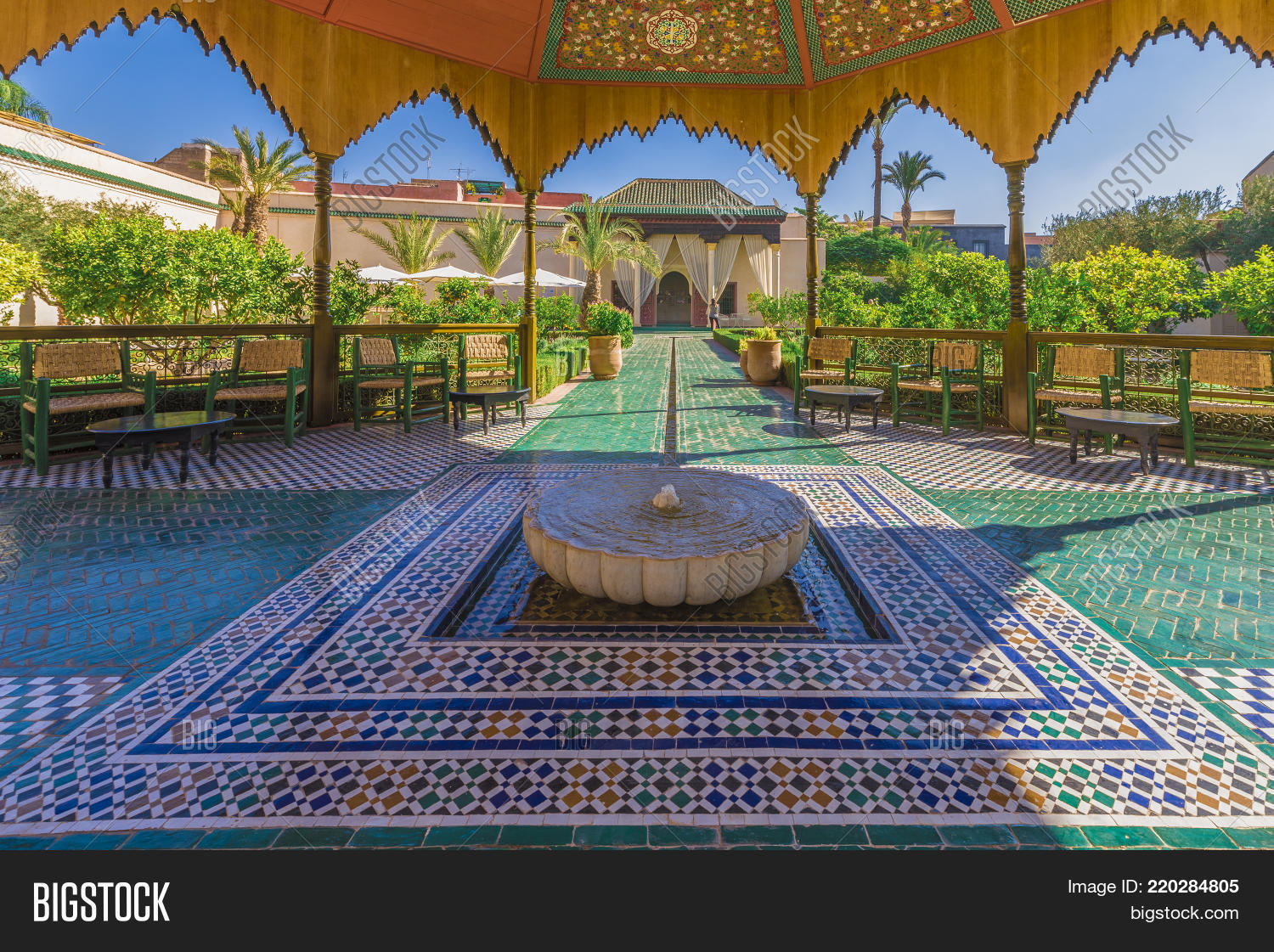 Le jardin secret marrakech image photo bigstock for Restaurant le jardin marrakech medina