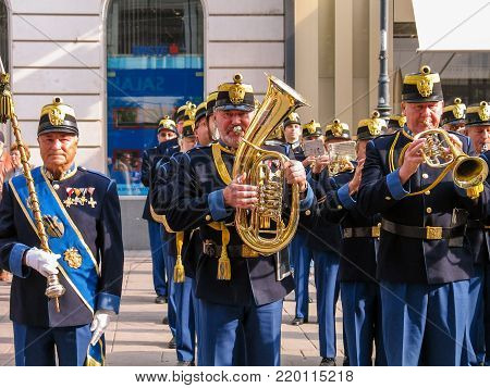 VIENNA, AUSTRIA - OCTOBER 15, 2005: Military brass orchestra plays at street in Vienna on October 15, 2005.