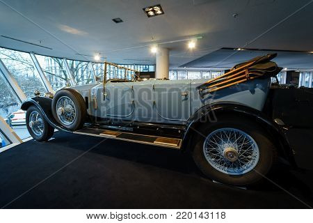 BERLIN - DECEMBER 21, 2017: Showroom. Luxury car Rolls-Royce Phantom I Open Tourer, 1926. Coachwork by Windovers of London.
