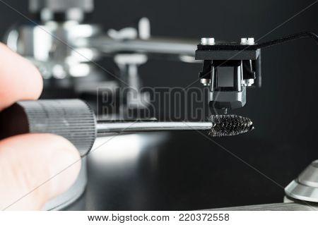 Turntable stylus needle tip cleaning closeup macro