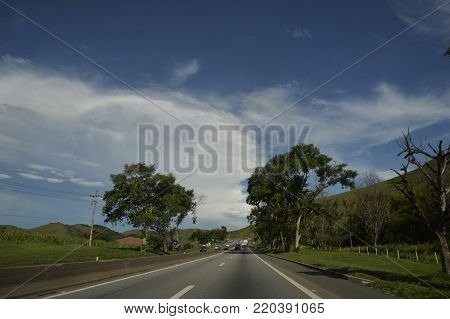 Resende, Brazil - january 02, 2017:  Presidente Dutra Highway, an important road link between the cities of São Paulo and Rio de Janeiro. Photo near the city of Resende in South Fluminense