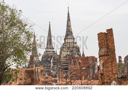 Wat Phra Si Sanphet Ayutthaya - Ayutthaya Historical Park  has been considered a World Heritage Site on December 13th 2534 in the historic city of Ayutthaya.