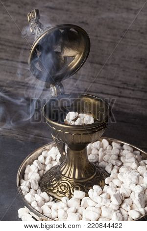 Greek Ortodox church incense in Athonite style. In the tradition of Mt. Athos (The Holy Mountain), it begins with pure frankincense tears, added fragrance and aromatic wood resins.