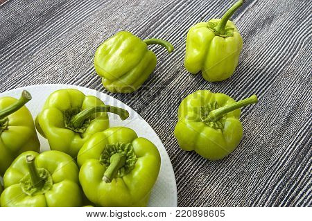 raw fresh stuffed peppers pictures, stuffed peppers, stuffed peppers in the plate, pictures of green stuffed peppers
