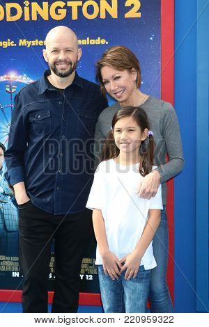 LOS ANGELES - JAN 6:  Jon Cryer, wife, daughter at the