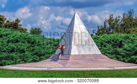 Arlington,virginia, Usa-august 31,2018: Memorial U.s. Coast Guard Cutter Tampa, Arlington National C