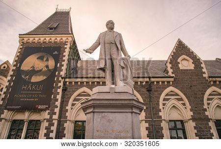 Christchurch, New Zealand -october-01-2017 : Statue Of William Rolleston Outside The Canterbury Muse
