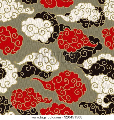Chinese Clouds Smoke Vector Seamless Pattern. Japanese, Oriental Style Textile Ornament. Golden Outl