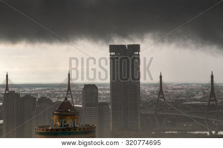 Bangkok, Thailand - 01 Sep, 2019 : Dark Clouds Before A Rainstorms Are Falling In The City. A Large