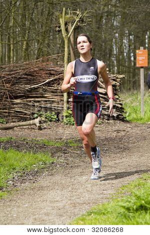 Jolien Janssen Running The Wooded Part Of The Course