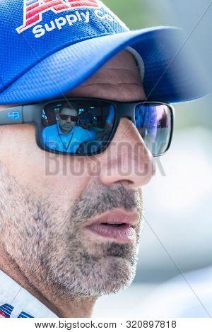 August 31, 2019 - Portland, Oregon, USA: TONY KANAAN (14) of Salvador, Brazil  prepares to qualify for the Grand Prix of Portland at Portland International Raceway in Portland, Oregon.