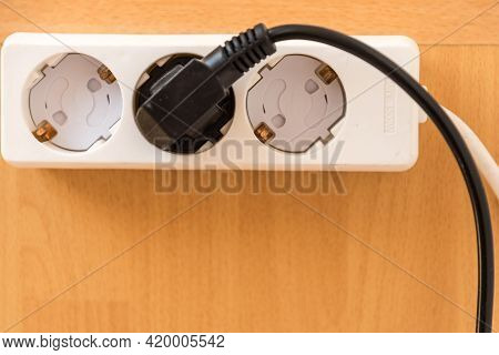 Multiple Socket With Child Safety Device - Multiple Socket Outlet With Fuse For Children, Close-up,