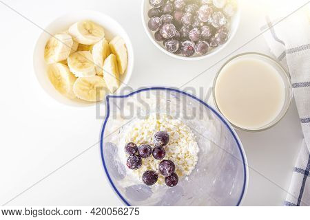 Step By Step Recipe Cooking Black Currant Smoothie. Step 2 Add Berries To Cottage Cheese In Blender.