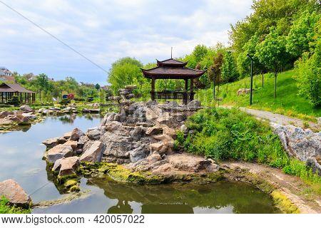Beautiful Japanese Gazebo By A Pond In Japanese Garden