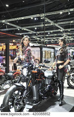 Bangkok-november Pretty Moter Expo At The 35nd Motor Expo 2018 On November 28, 2018 In Bangkok, Thai