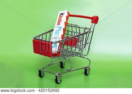 Belarus, Novopolotsk - 11 May, 2021: Kinder Maxi In A Shopping Cart Close Up