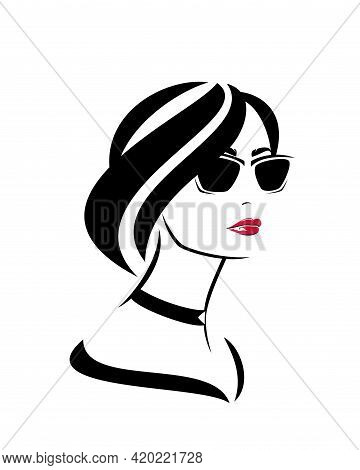 Beautiful Girl Wearing Choker Necklace,  Red Lipstick And Sunglasses - Glamour And Beauty Concept Ve