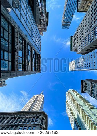 New York, New York - Apr 24, 2021: Vertical View Of The Skyscrapers In The Midtown Manhattan Skyline