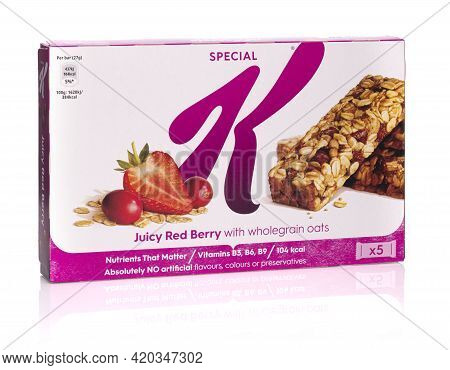 Swindon, Uk - May 13, 2021: Box Of Kellogg's Special K Juicy Red Berry With Wholegrain Oats Protein