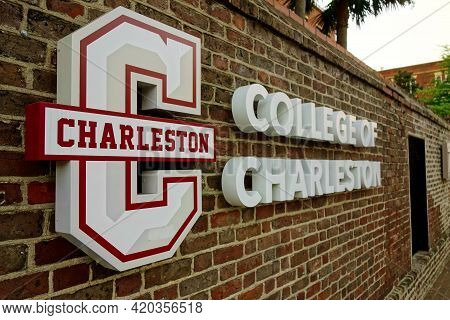 Charleston,sc - Usa - 04-19-2021: College Of Charleston Sign On Campus Of The School In The Heart Of