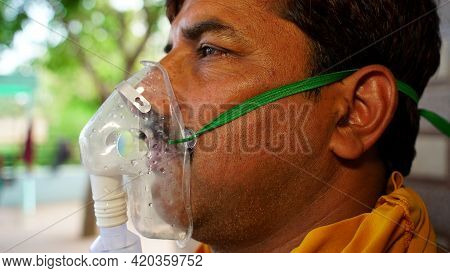 Shortage Of Vaccine Indian Adult Admitted In Hospitals And Taking Oxygen As A Treatment Of Covid 19.