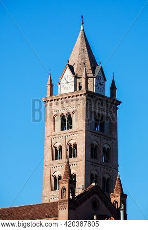 Cathedral Of The City Of Alba, Cathedral Of San Lorenzo - Piedmont, Italy