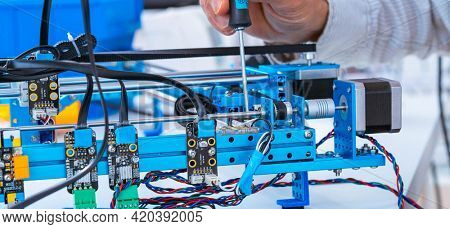 assembly of electronic devices assembly of electronic devices