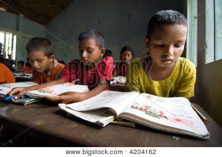 Kinder studieren