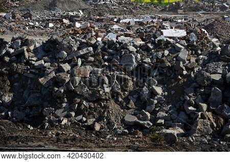 Using Recycled Building Materials On Construction Sites Is An Environmentally Friendly Solution. Exc