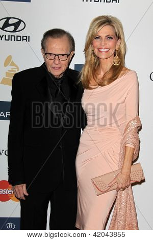 LOS ANGELES - FEB 9:  Larry King, Shawn Southwick King arrives at the Clive Davis 2013 Pre-GRAMMY Gala at the Beverly Hilton Hotel on February 9, 2013 in Beverly Hills, CA