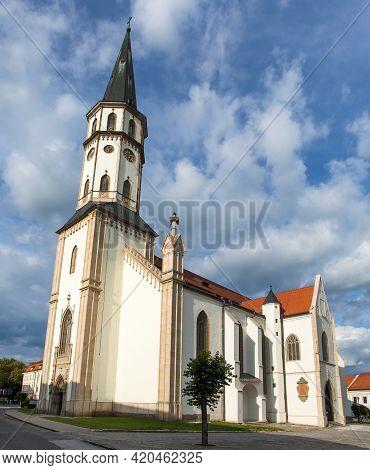 Basilica Of St. James Church In Levoca Alias Levoča. A Unesco Wold Heritage Site In Slovakia, Centra