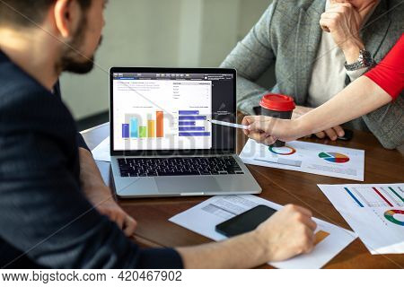 Businessmen Are Meeting Negotiations On The Trade And Investment. Concepts. Business Meetings, Plann