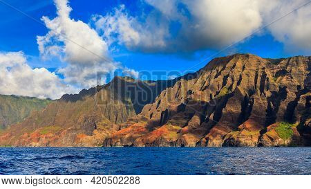 Rugged Hills At The Dramatic Na Pali Coast Of Kauai, Hawaii Islands.