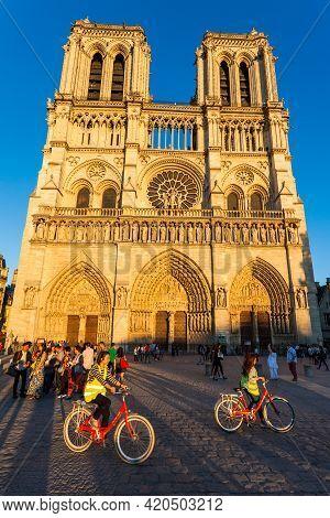 Paris - September 7, 2016: Notre-dame De Paris In Paris On September 7, 2016.
