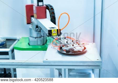 Silicon Wafers and Microcircuits with Automation system of pneumatic piston sucker unit