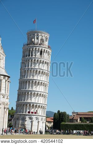 Pisa, Italy, October 17 2021: Tourist People Sightseeing The Leaning Tower Of Pisa In Italy
