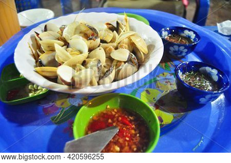 Local Food Baked Fried Shellfish And Shell Soup Serve With Spicy Sour Sauce For Sale Vietnamese And