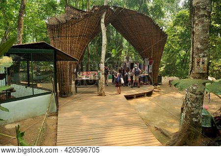 Souvenir Gift Shop Lao Style For Sale Laotian People And Foreign Travelers Travel Visit At Wildlife
