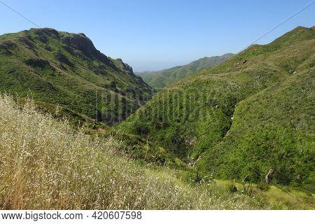 The Scenic Wilderness Of The Santa Monica Mountains, In Ventura County, California.