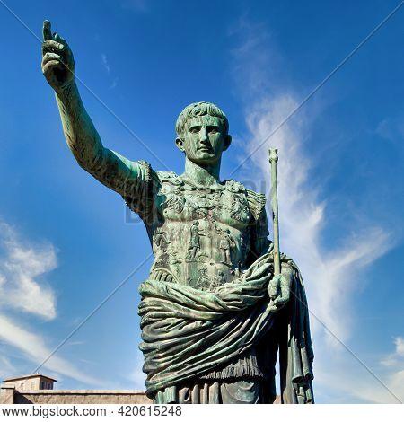 Italy, Rome. Statue In A Public Street Of The Roman Emperor Gaius Julius Caesar. Concept For Authori