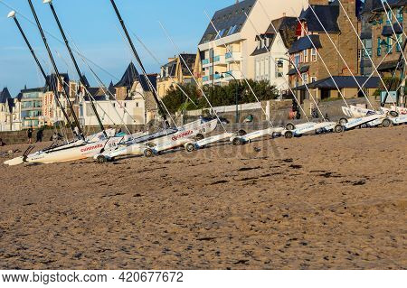 Saint Malo, France - September 16, 2018: Catamarans And Sand Yachts On The Beach In Saint Malo. Brit