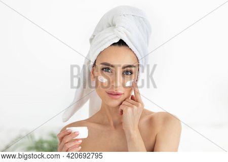 Moisturizing Lifting Nourishing Cream For Soft Hydrated Skin