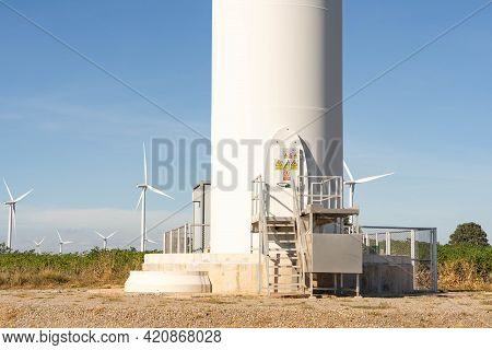 Wind Turbines Are Alternative Electricity Sources, The Concept Of Sustainable Resources, Beautiful S