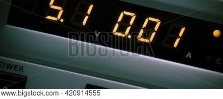 Digital Dial an electronic measuring device