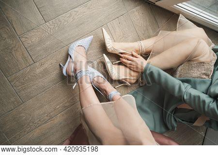 Women S Feet In Heels. Creative Picture Of Women S Feet In Their Bare Feet. Beautiful Women Feet Clo